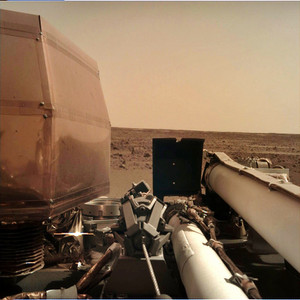 Insight_is_catching_rays_on_mars_na