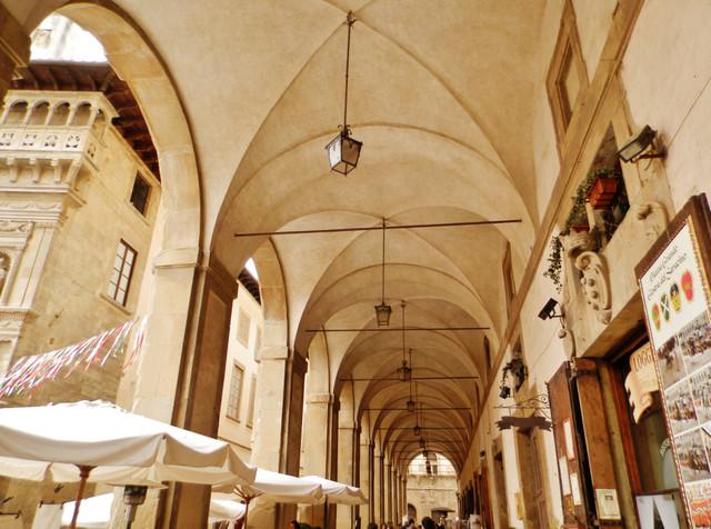 6 アレッツォのガレリア 美しい回廊